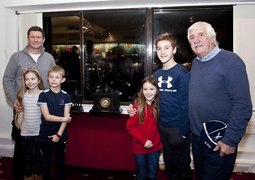 19-12-14-John-Davies-family_02